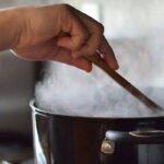 كيفية التخلص من روائح الطهي: 13 طريقة لإزالة روائح الطعام من مطبخك